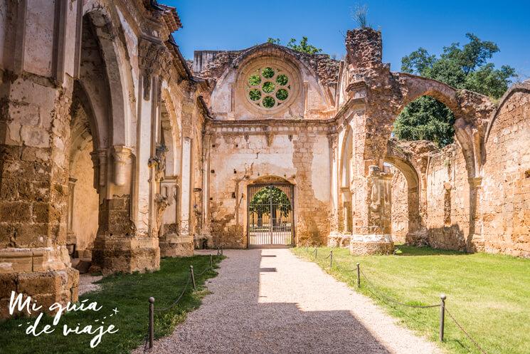 Iglesia del Monasterio de Piedra en ruinas